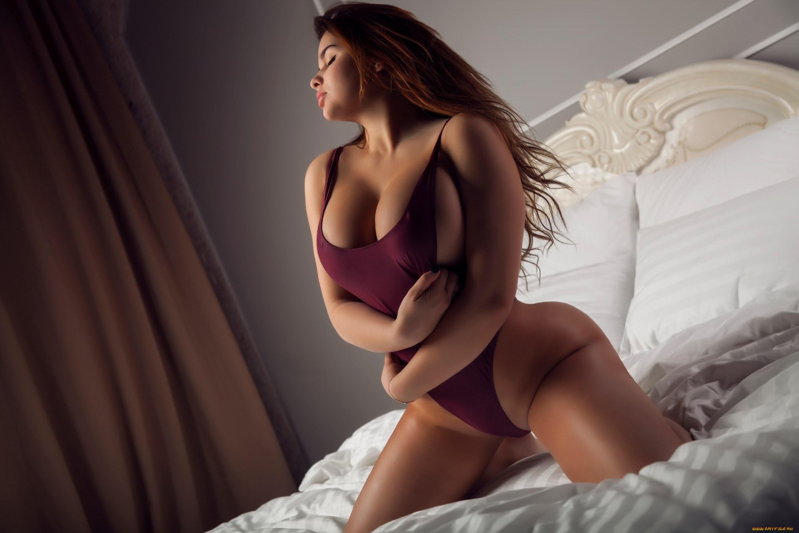 seks-devushki-goryachie-foto